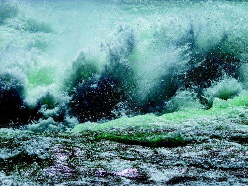 cascade water whirlpool