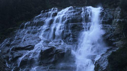 cascade falls flow
