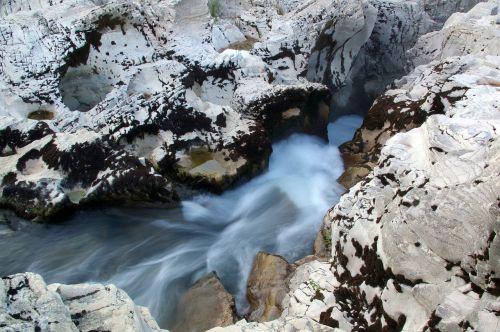 cascade cascade by the sautadet gard