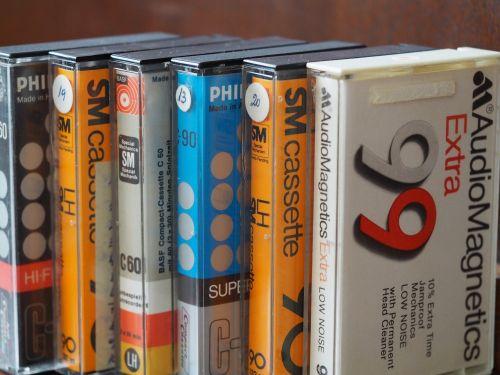 kasetė,kompaktiškas kasetė,kasetė,analogas,juosta,muzika,retro,stereo,įrašymas,magnetrangas,prietaisas,technologija,ritė,senamadiškas,garso inžinerija,beschallung,juostinis magnetofonas,grotuvas,vintage,įrašyti,Walkman