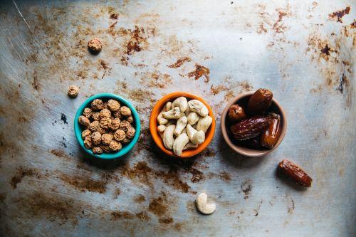 cashew nuts peanuts