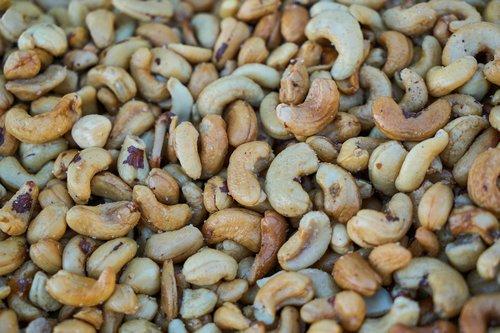 cashew  peanut  snack