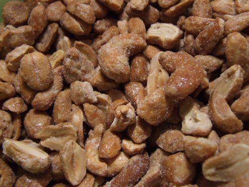 cashews nuts peanuts