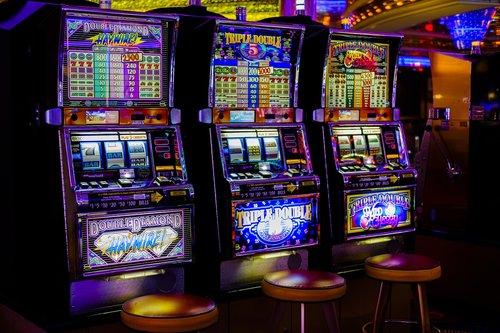 casino  arcade  slot machines
