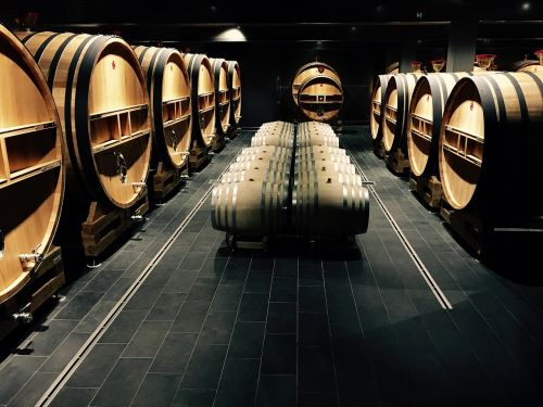casks wine champagne