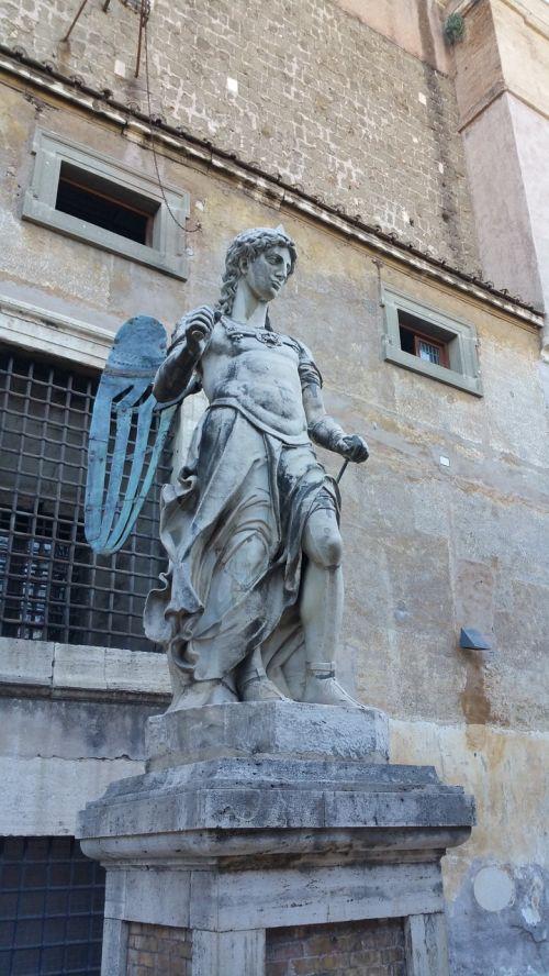 castel sant'angelo statue rome