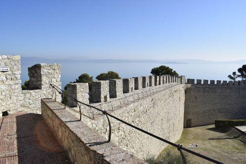 castiglione ežere,Trasimeno,trasimeno ežeras,pilis,tvirtovė,ežeras,vanduo,trasimeno ežeras,perugia,umbria,sienos,turizmas,Viduramžiai,viduramžių kaimas,italy,vaizdas,Guelph,ghibelinai