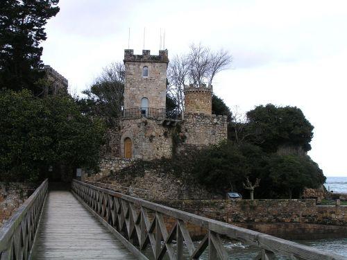 castillo mar galicia