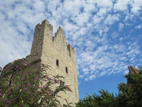 castle clouds fleecy