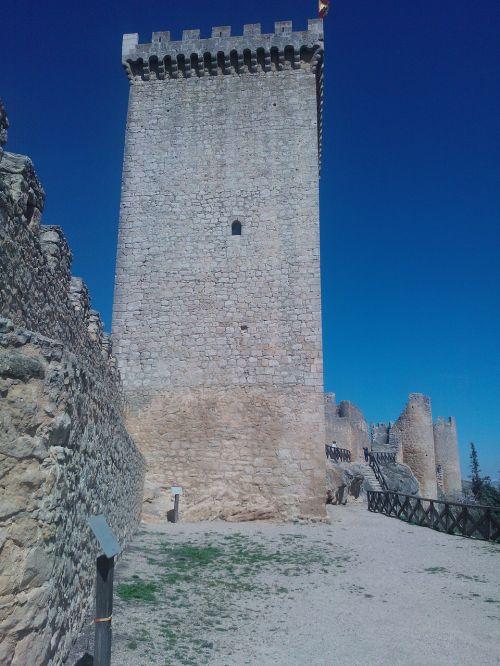 castle donjon peñaranda de duero