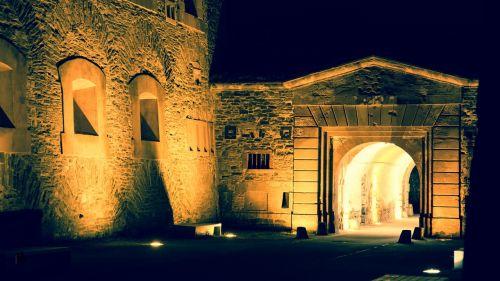 castle goal castle gate