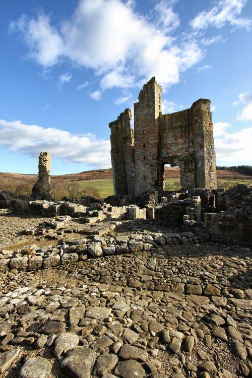 castle edlingham ruin