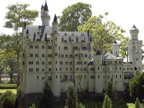 pilis,miniatiūrinė,Tailandas,lankytinos vietos,verta aplankyti,pastatas,kopija