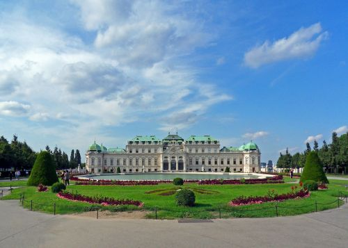 castle belvedere come palace