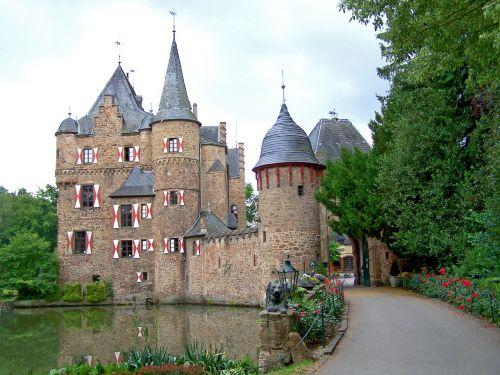 castle satzvey moated castle