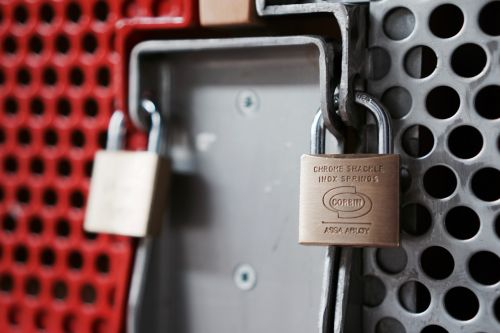 castle closed padlock