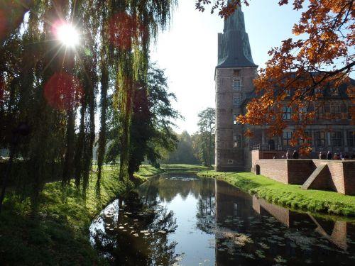 castle raesfeld moat