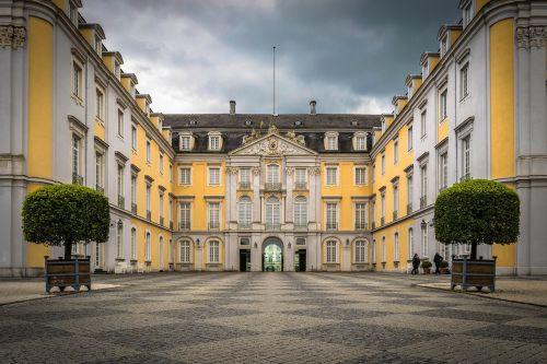 castle brühl historically