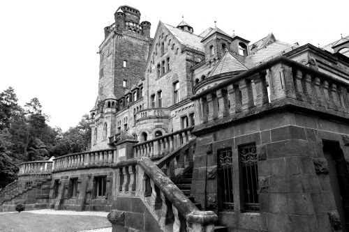 castle waldhausen dracula