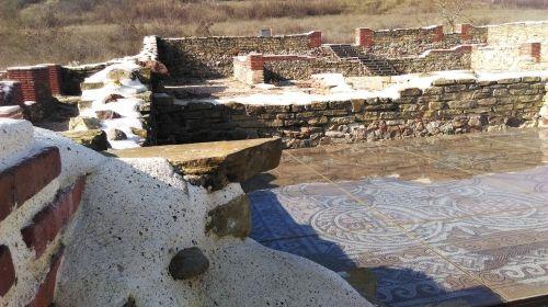 castle archaeological ancient