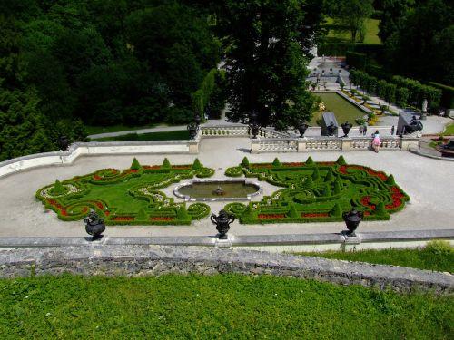castle linderhof palace garden