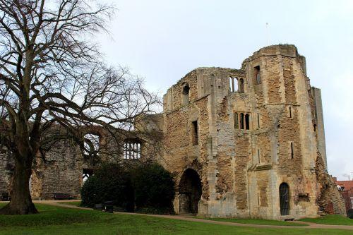 pilis,pilies sodai,architektūra,senas,pastatas,rūmai,sodas,kraštovaizdis,akmuo,bokštas,turizmas,parkas,tvirtovė,pritraukimas,eksterjeras,viduramžių,gotika,pilis,istorinis,paveldas,istorija,newark-on-trent,Newark,Nottinghamshire
