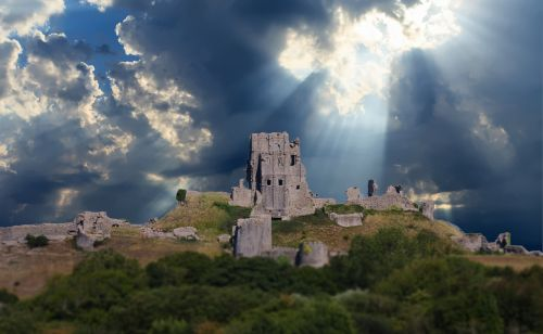 castle god rays ancient