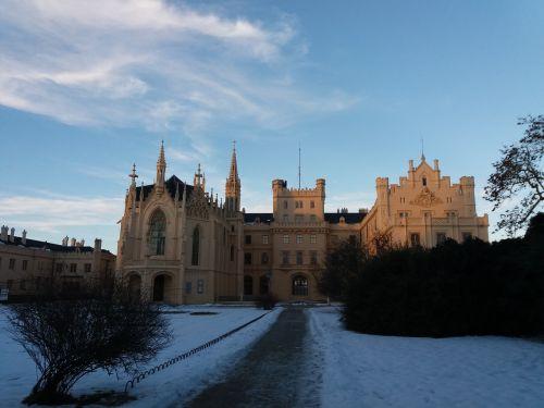 castle romance monument