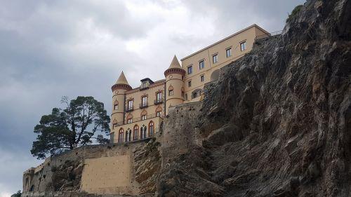 castle maiori amalfi coast