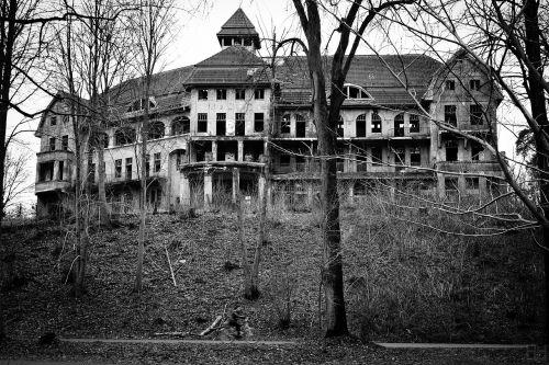 castle old gloomy