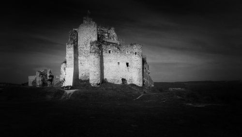 pilis,mirow,scenoje,griuvėsiai,juoda ir balta,kraštovaizdis