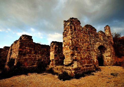 castle rom buildup