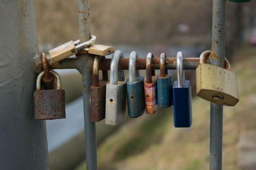 castle locks locked