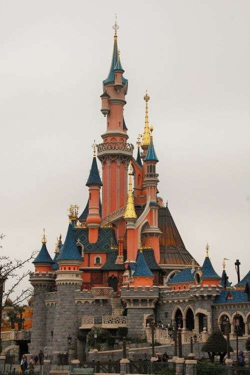 castle sleeping beauty disneyland