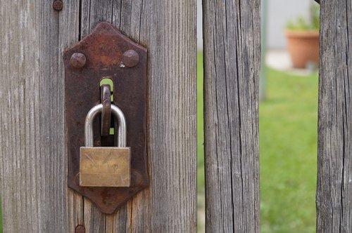castle  padlock  security