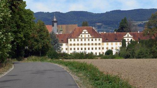 castle  salem  destination