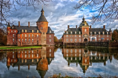 castle  moated castle  middle ages