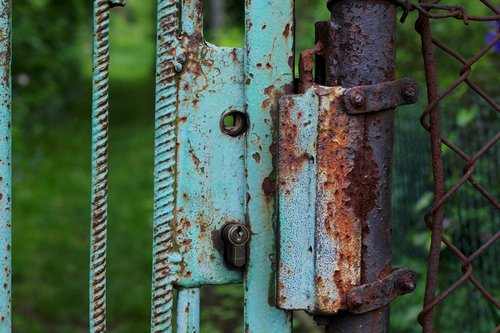 castle  gate  rust