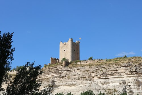 castle  alcalá de júcar  spain