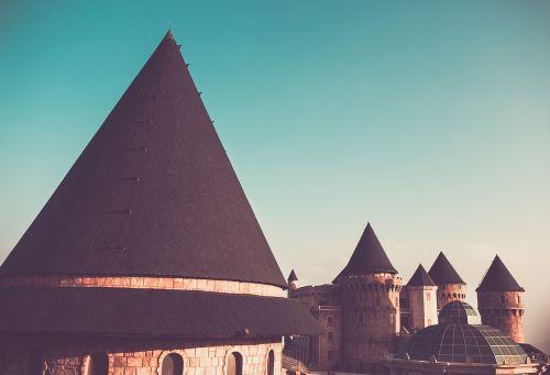 castle architecture conical
