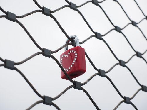 castle fence love