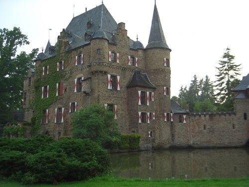 castle satzvey wasserburg