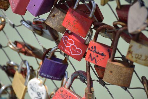 castle love padlock