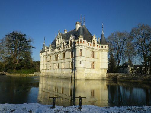 castle of azay le rideau château de la loire châteaux de la loire