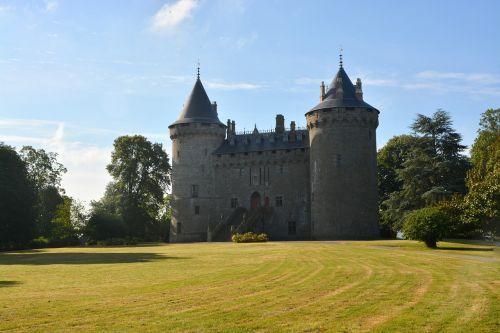 castle of combourg ille et vilaine park