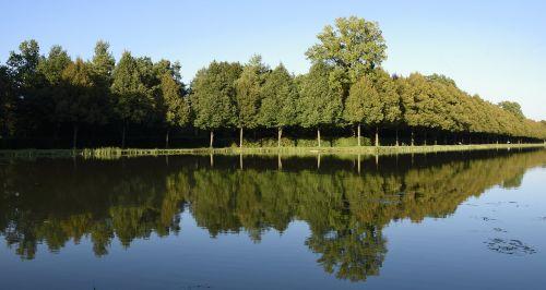 castle park schlossgarten mirroring