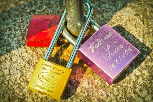 castles love padlock