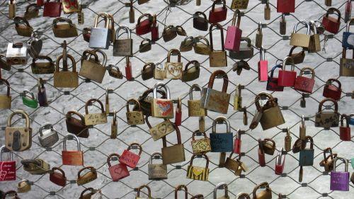 castles bridge padlocks