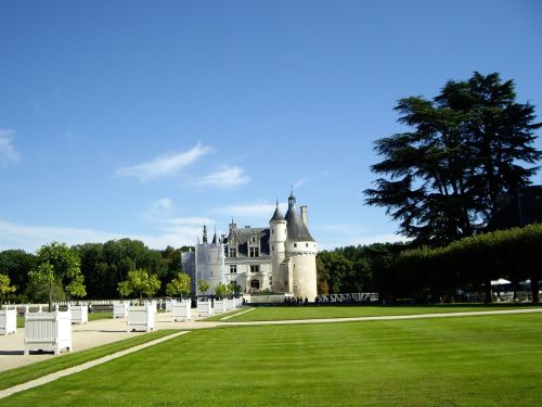 castles of the loire castle chenonceau photo the loire valley