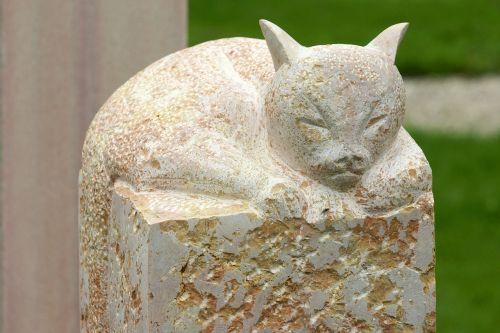 cat figure sculpture